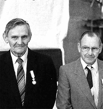 The brothers Arnold (left) and Jan Valentijn,  connected to the Valentijn Firm for 55 and 50 years, were knighted last year.