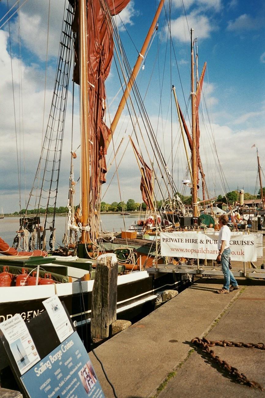 Houten sailing barges met karakteristiek spriettuig op de Blackwater river
