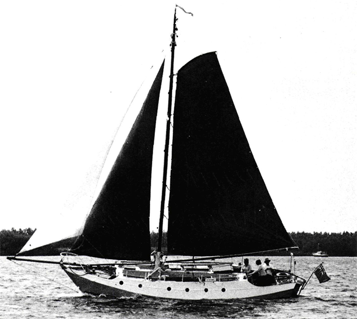 The Alcyone: 10.50 x 3.09 x 0.80 / 1.75 m, weight 8.10 tonnes and 49.20 m2 sail